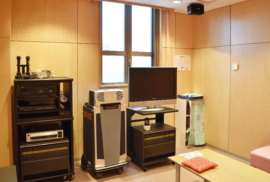 忠岡町総合福祉センター : 娯楽室 : Image Gallery01